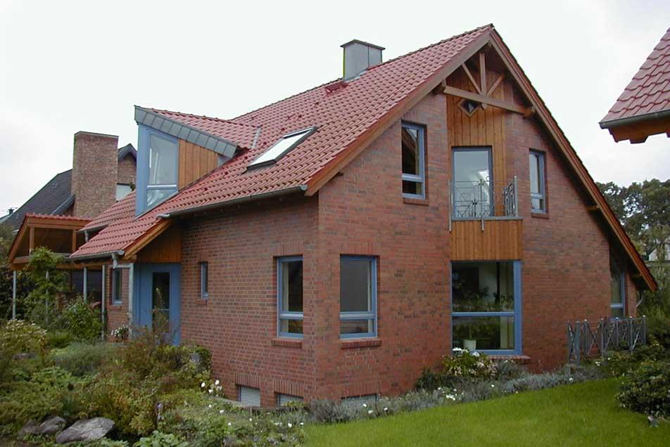 Holzbau - kreative Dachgauben aus Dinslaken